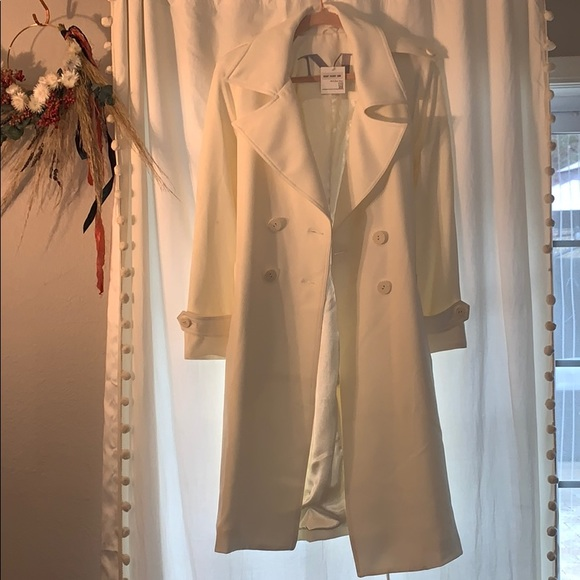 Ivory Mycra pac one trench coat